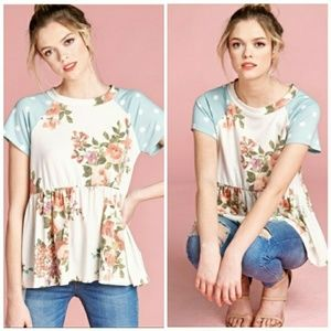 Tops - SOLD NWT FLORAL SHORT SLEEVE TOP